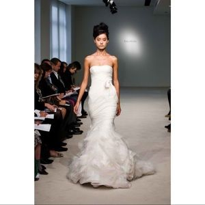 VERA WANG GEMMA SILK WEDDING GOWN IVORY 2 BEADING
